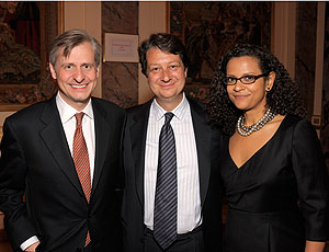 Need to Know co-anchors Jon Meacham and Alison Stewart with WNET.ORG President & CEO Neal Shapiro.
