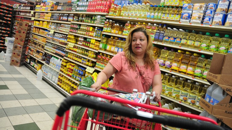 The Real 'Food Basket': How New Yorkers Make Ends Meet at the Market