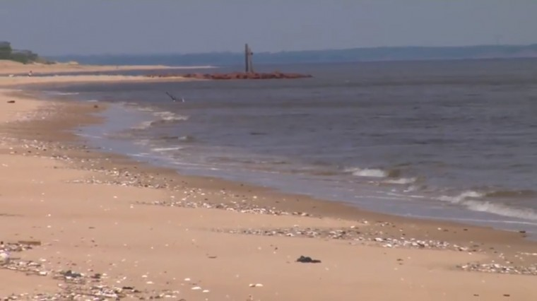 Sandy Debris Causes Middletown to Ban Swimming at Beaches