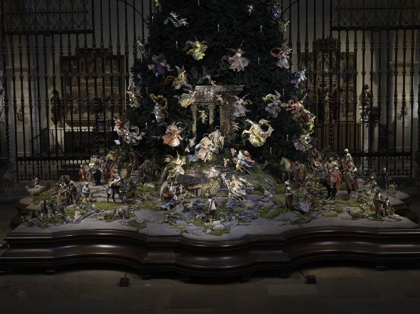 3. Christmas Tree and Neapolitan Baroque Crèche Nativity