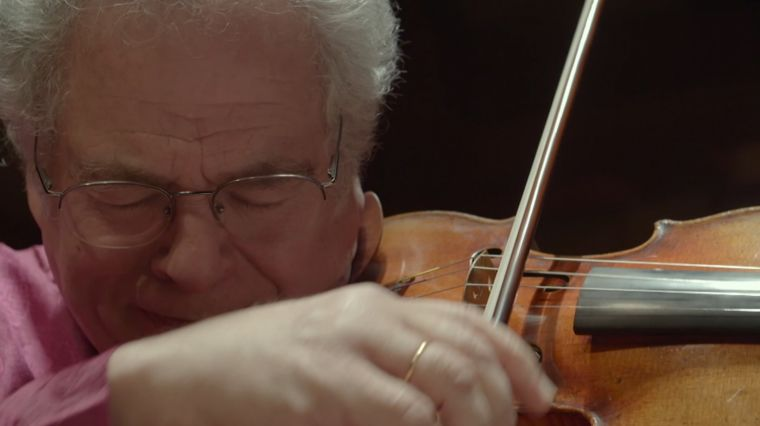 "PERLMAN REVIEWS ""ITZHAK"""