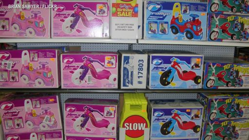 TOY COLOR & GENDER DEVELOPMENT