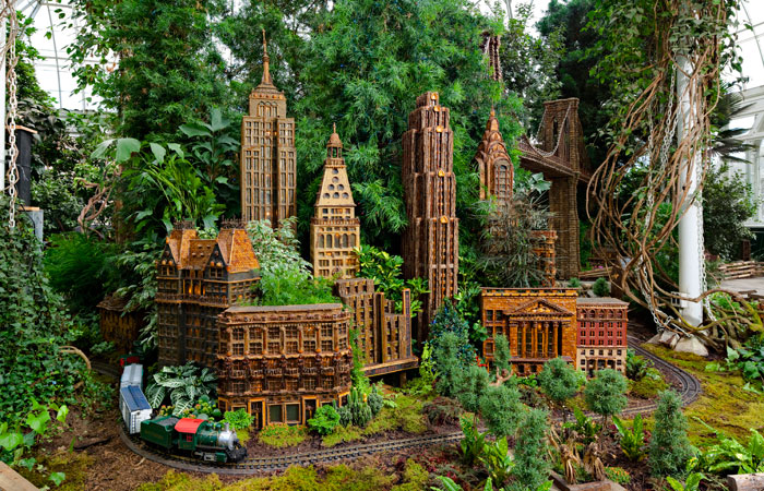 Photos: The Holiday Train Show at The New York Botanical Garden ...