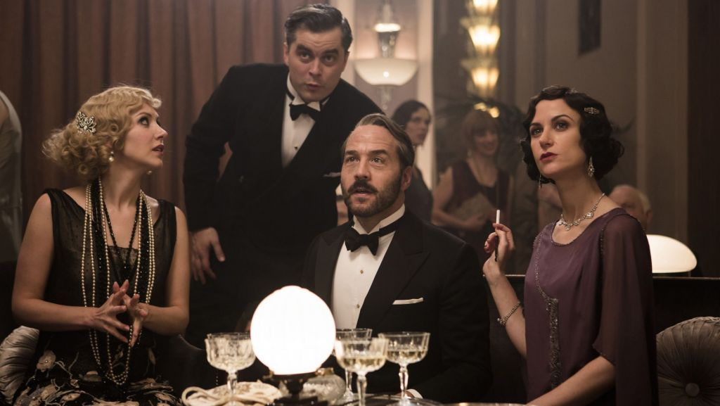 Mr. Selfridge, The Final Season. Left to right: EMMA HAMILTON as Rosie Dolly, TRYSTAN GRAVELLE as Victor Colleano, JEREMY PIVEN as Harry Selfridge, KATHERINE KELLY as Lady Mae. © ITV Studios Limited 2016 for MASTERPIECE.