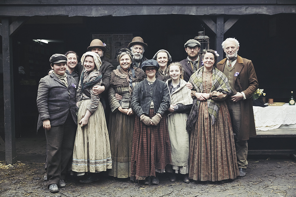 victorian_slum_house_cast