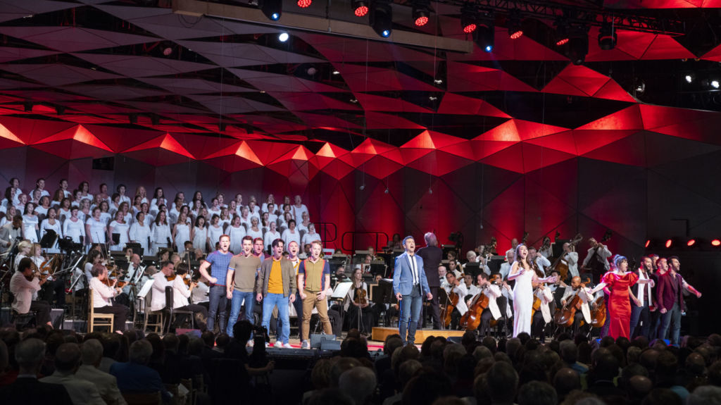 Michael Tilson Thomas, the BSO, and cast in selections from Bernstein's West Side Story.