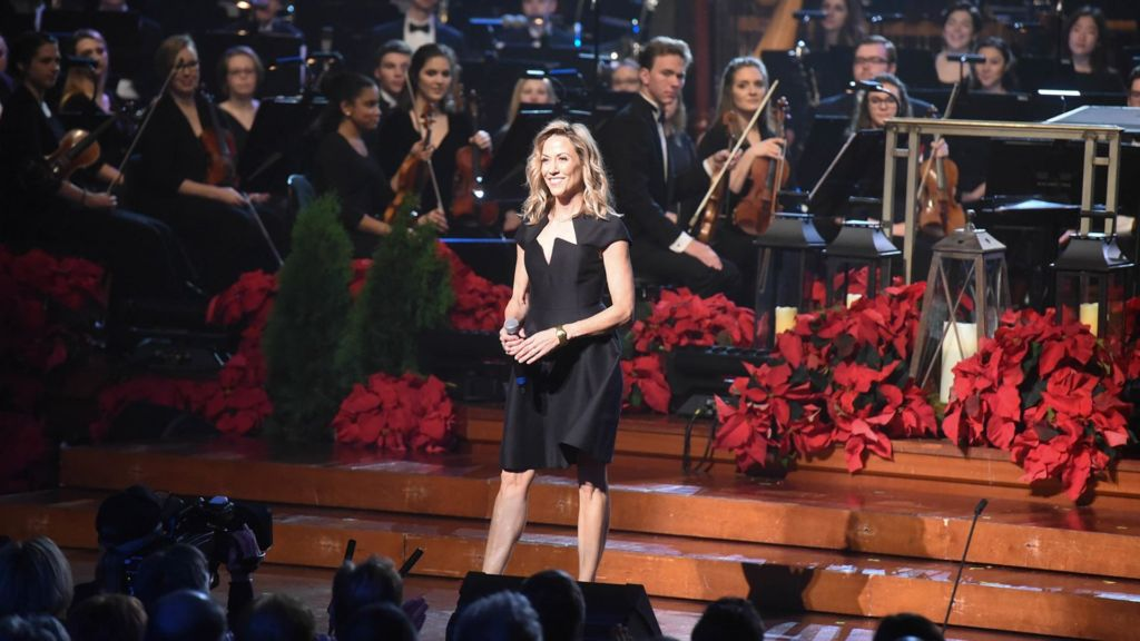 Host Sheryl Crow in Christmas at Belmont.