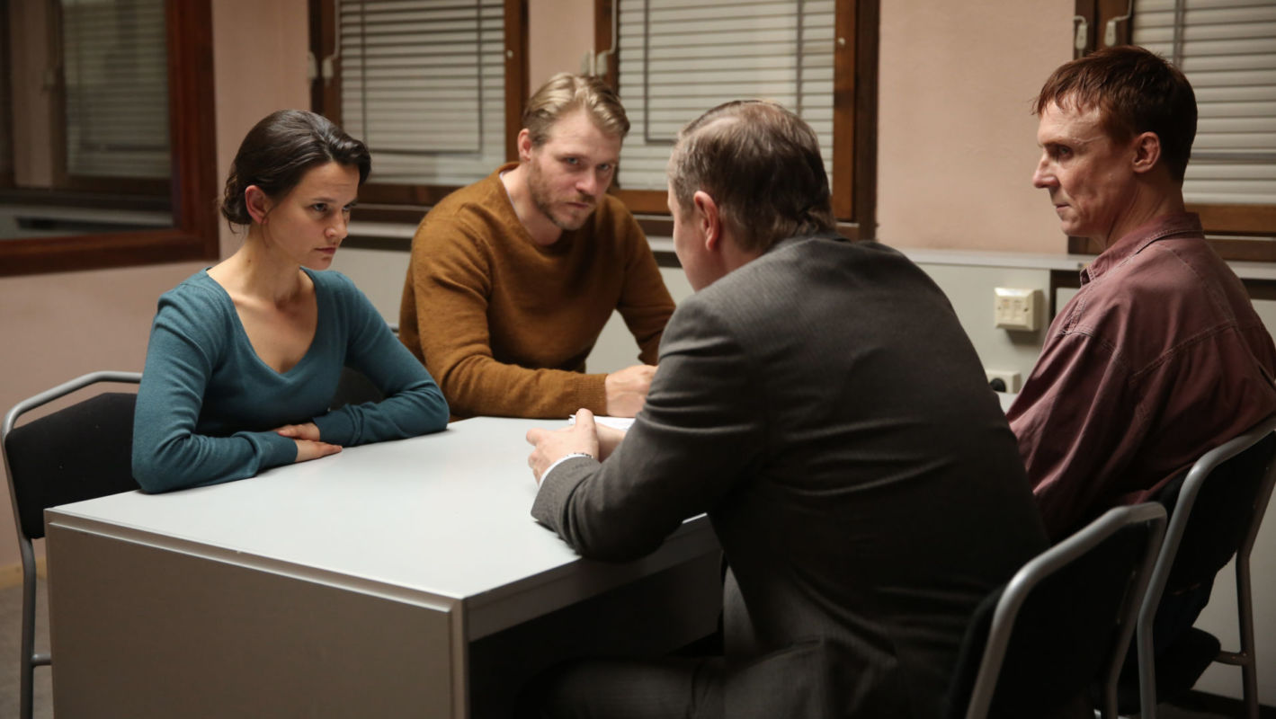Melinda Kinnaman as Inger Vik, Henrik Norlen as Ingvar Nyman, Pierre Tafvelin as Tim Jacobsson and Simon Norrthon as Lennart Carlsson in Modus, Episode 4.