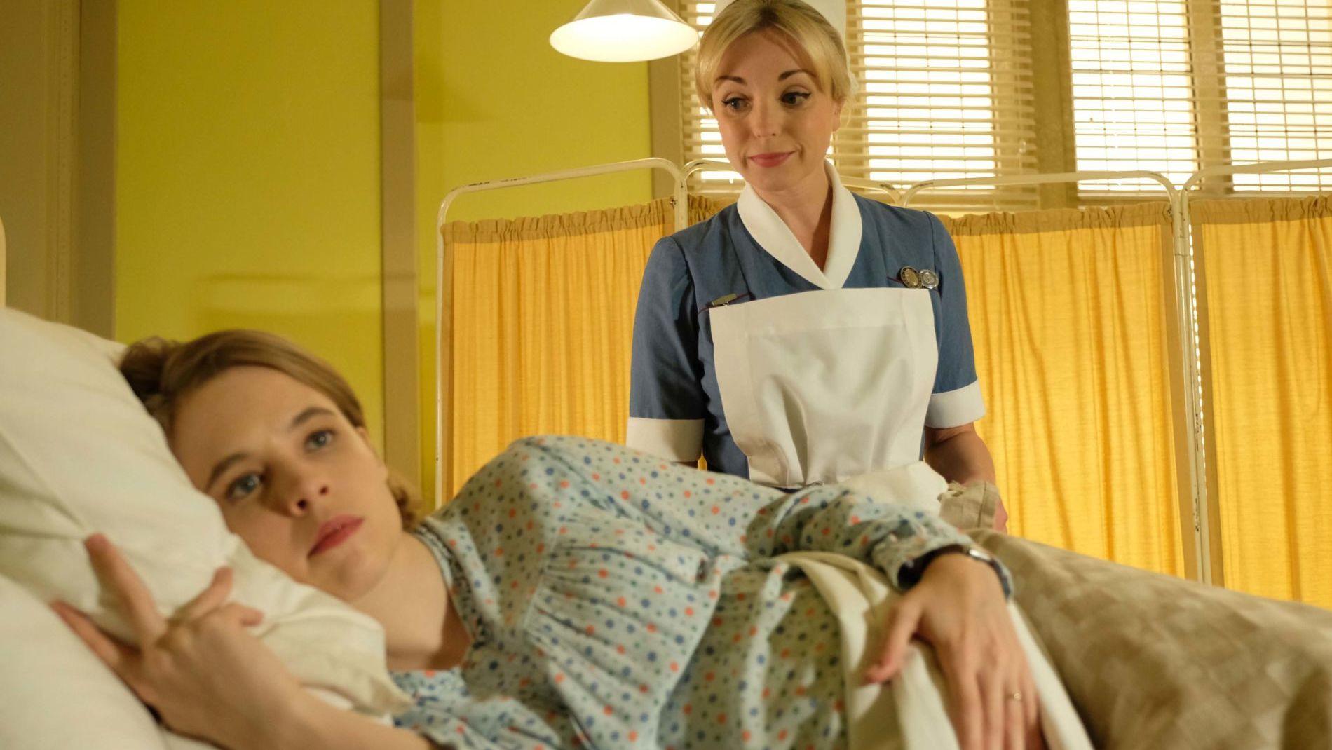 Nurse Trixie Franklin (Helen George) helps the pregnant Mrs. Lombardi (Jessica Clark).
