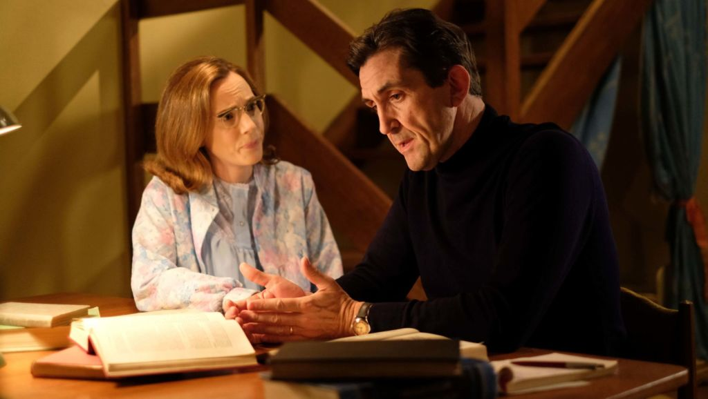 Shelagh Turner (LAURA MAIN), Dr. Turner (STEPHEN McGANN) discuss what he has learned about sickle cell.