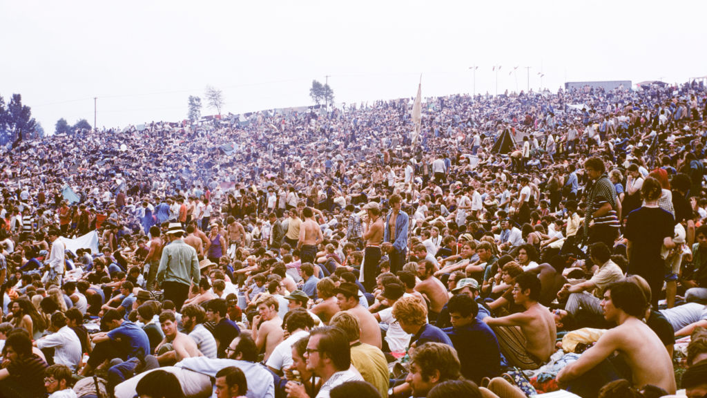 Woodstock crowd. Gift of James Shelley. © The Museum at Bethel