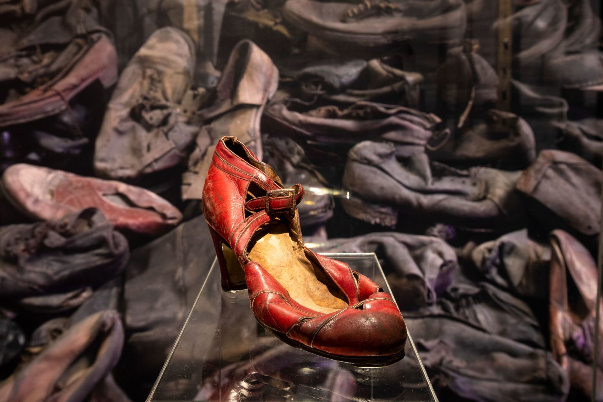 A dress shoe in the exhibition.